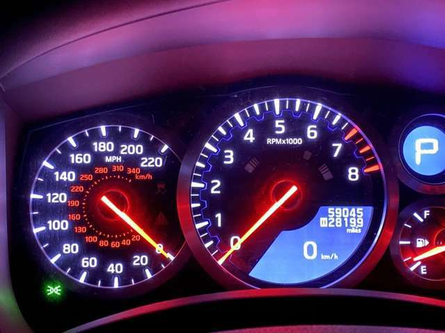 Mile 表示のスピードメーターです