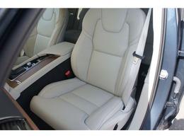 助手席にも運転席同様のシートクーラー&ヒーターを備えています