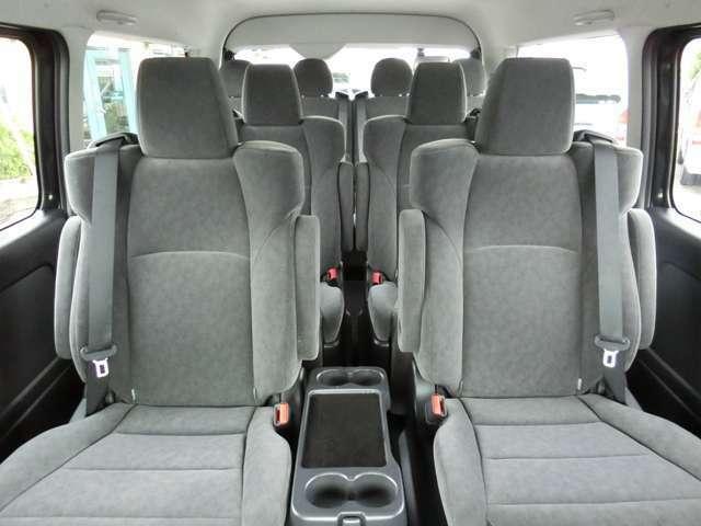新車未登録/型式:CBA-TRH214W改/3ナンバー(普通乗用車)/初回3年車検/2WD/2700cc/ガソリン車/10人乗り/普通免許での運転が可能です。