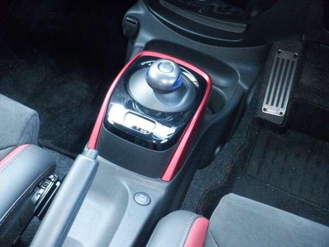 e-POWERは、モーターによる力強くてスムースな走りに加えて3つのドライブモードが未体験の運転感覚をもたらします