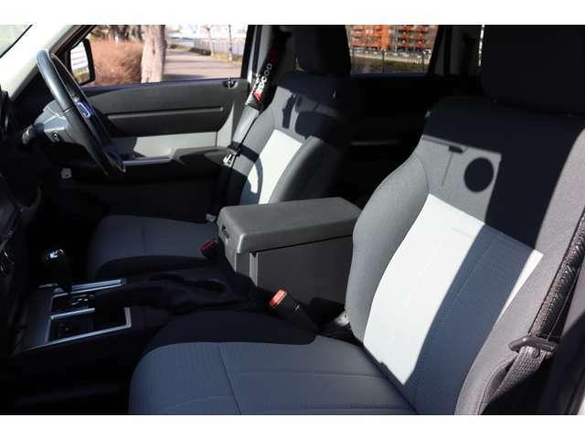 ♪運転席、助手席共にシートは綺麗で状態は良好です☆