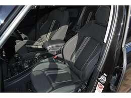フロント座席シートヒーター機能完備。