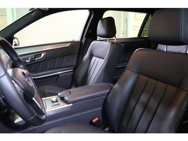 使用感も少なく綺麗な状態を保ったブラックレザーシートを装着!メモリー機能付きパワーシートやランバーサポート・全席シートヒーターを装備しております♪
