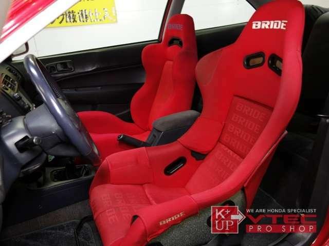 ドライバーズシートはBRIDEフルバケットシートを装着。室内の臭いを気にされる方にもお勧めの禁煙車です。ペット臭いなどもございません。遠方の方もご安心下さい。