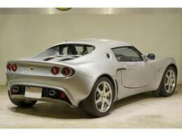Mk2世代でも初期モデルとなるローバーエンジン搭載モデルの魅力は、何といってもその軽さです。