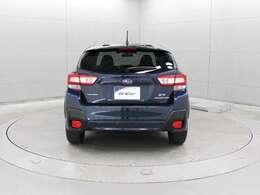 シンメトリカルAWDの走破性をさらに高める電子制御システム「X‐MODE」を採用し、エンジン・トランスミッション・AWD・VDCを統合制御しています。