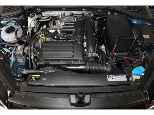 1.4リッター直列4気筒DOHCICターボエンジンは140ps/25.5kg・mを発生(カタログ値)