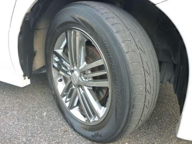 タイヤはブリジストン残り溝2mm。ライダー純正ホイール!