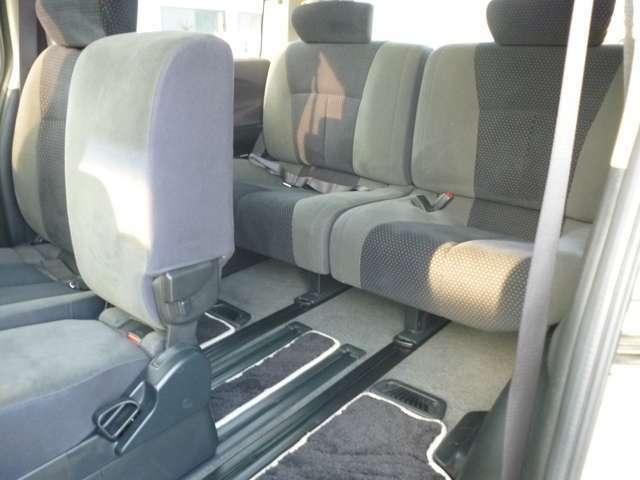 左側パワースライドドア快適装備です!運転席からスイッチで開閉出来るので安心安全です。お子様の乗車時はチャイルドロックは忘れずに!