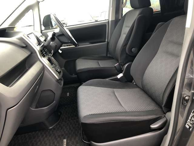 気になる前席シートの状態は良好です♪更なる詳細が気になる場合は、お写真を撮ってメールをお送り致します♪
