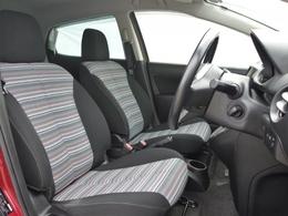 運転席はスライド幅も大きく、背の高い方・低い方問わず、しっかりとした運転姿勢が取れます。