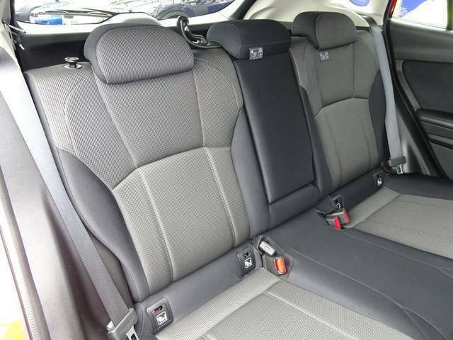 ゆとりの後席スペース!!ロングドライブでどうぞおくつろぎください♪