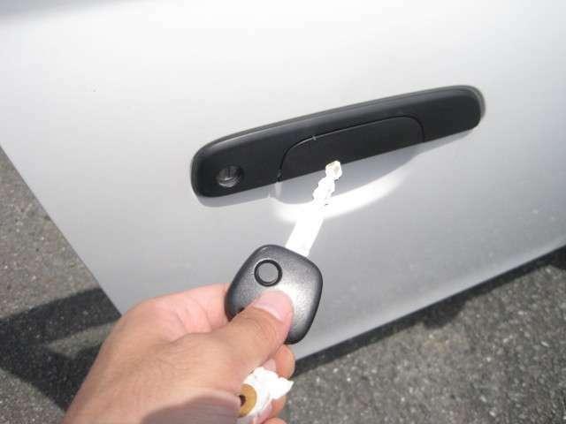 キーレスエントリー付きです!ドアロックの開け閉めがワンタッチでラクに行えます!