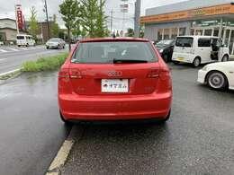 リアガラスが大きくバックでの駐車も苦になりません!