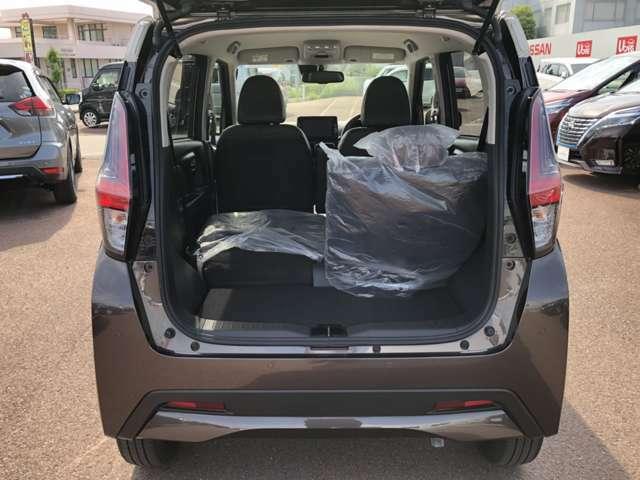 シートを片側だけたおす事も可能です!これなら長さのあるお荷物でも載せられそうですよね(*'∀')
