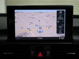 ●MMIナビゲーションシステム『最新の技術を取り込み、使いやすさも考えられた機能です。タッチパッドや音声認識システムといった機能がさらにMMIの操作性を高めています。』