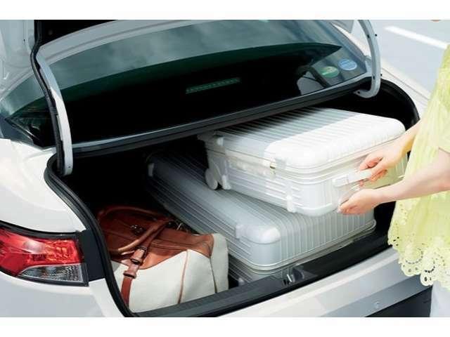 室内と分離された大容量のトランクルームは、遮音性・お荷物の保護・匂いのある物を積む場合など全てにおいて安心です♪