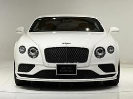 外装色は、人気のGlacier Whiteになります。