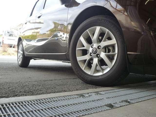 タイヤの溝もたっぷりです。