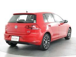 ★クラストップレベルの安全性能をもたらすVolkswagenオールインセーフティ。アイドリングストップが装備されています。