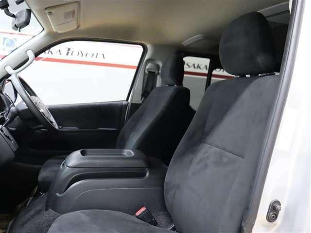 この中古車はルームクリーニングを施工をして展示しております。お客様が気持ちよくドライブして頂けるように一台一台丁寧に作業しています!是非店頭にてご確認ください。