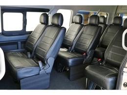 3ナンバー10人乗り!ファミリーカーから送迎用まで頼れる一台です!全席オリジナルシートカバー付き!