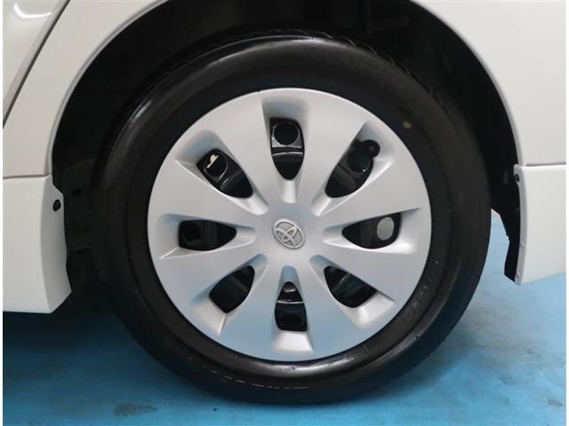 【タイヤ・ホイール】175/65R15サイズの純正ホイールです。タイヤ溝は約4mmになります。