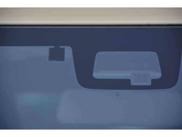 スズキセーフティサポート付き!デュアルセンサーブレーキサポート、車線逸脱警報機能、標識認識機能、ハイビームアシスト、誤発進抑制機能、ふらつき警報機能、先行車発進お知らせ機能で衝突回避をサポートします♪