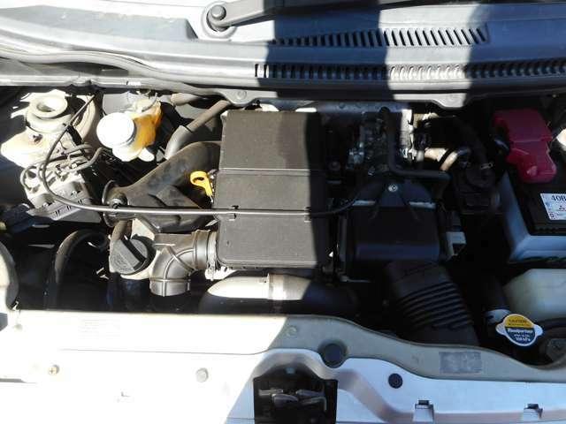 綺麗なエンジンルームです!無修復歴車!走行69000キロ!車検R4年6月!