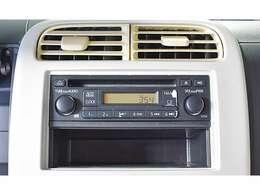 純正1DIN-CDチューナー(FM・AMラジオ 時計表示機能)