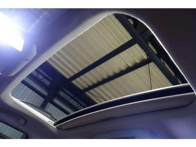 ○デイブレイク品質車両になりますので内外装共に高品質です。遠方のお客様でも安心です。掲載画像の他にもより詳細な画像や動画をご用意できますのでお気軽にお申し付けください