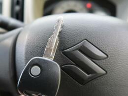 【キーレスエントリー】鍵を挿さなくても、リモコンで鍵の開け閉めができます♪