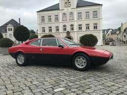 ドイツのドレスデンのディーラーがイタリアから輸入したばかりのものを昨年譲り受けた。82年から5年間はフィレンツェのガレージに納まり、88年からは60キロほど離れたAREZZOという街のオーナーが所有。
