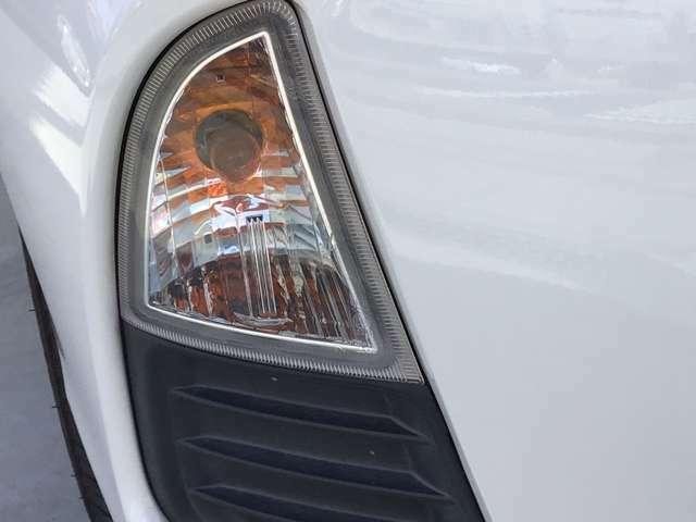 雨の日や霧が濃い時など路面が見えにくいですよね・・・。そんな時はフォグライトで視界確保!!安全運転に一役買買います!!