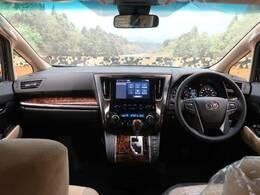 R3年式トヨタ アルファード 2.5Xが入庫しました!!今回は【4WD】【登録済未使用車】【ディスプレイオーディオ】のついたオススメの1台となっております☆