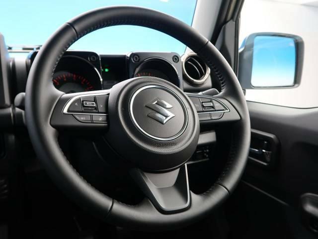 【純正革巻きステアリング】上質な革を使用することで、手にしっかり馴染みとても運転しやすいハンドルです♪