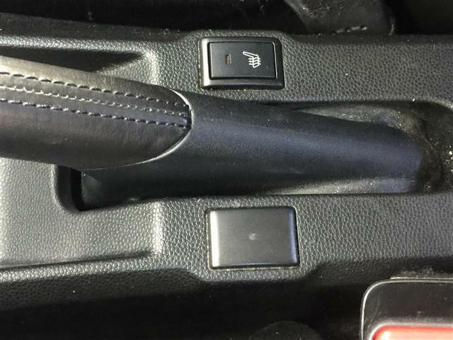 【シートヒーター】寒い日には必要ですね!!運転をさらに快適にしてくれます!!