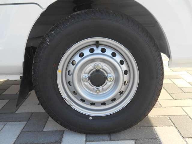 タイヤサイズは145R12です♪