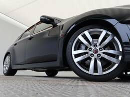 メーカーオプション:ブレンボブレーキ搭載しております!!ブレンボ社との共同開発のブレーキシステムを採用。高出力の車両ですのでブレーキにもしっかりこだわってます。