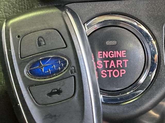 【 スマートキー&プッシュスタート 】鍵を挿さずにポケットに入れたまま鍵の開閉、エンジンの始動まで行えます。