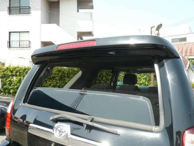 リアゲートの窓は開閉可能☆使いやすさの幅が広がります☆