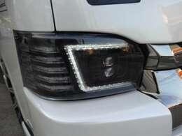プラチナムヘッドライトオールLED使用かっこいいですよ!!もちろん車検対応です。新車ローン最長120回!!実質年率3.9%キャンペーン実施しております!