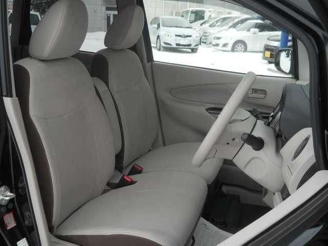 女性にもご安心してお乗りいただけるよう、車内の清掃には特にコダワリ、全車消臭抗菌済みです!よりメーカー販売時の状態に近づける為に妥協は致しません!!