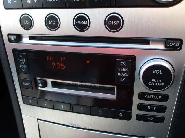 オーディオ装備!CDやMDも聴けますよ♪