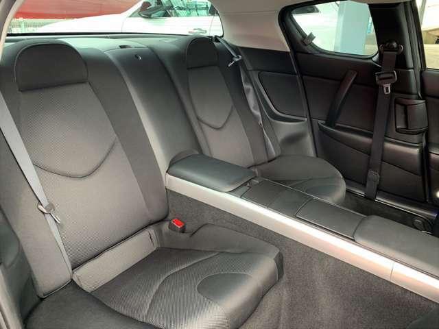 車内の状態は良好です。シートも痛み等がないため安心してお使いになる事ができます。また、納車する際はクリーングをしてお渡しします。