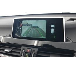 駐車時に便利なリアカメラ&PDCセンサーを装備。