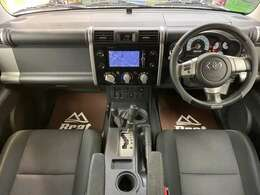 オフロードPKG専用装備のアクティブトラクションコントロール・クロールコントロールが付いてます。