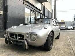 昭和40年の伝説的レースをはじめ、日本で自動車レースが盛んになってきたころに登場した小型スポーツカー。
