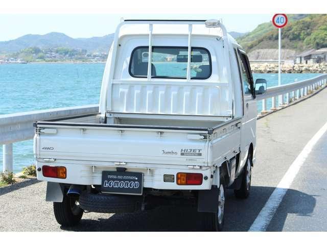 ワイパー・ウォッシャー液・エンジンオイル・ブレーキ類などなど点検して要交換部品があれば、交換して納車しております!!
