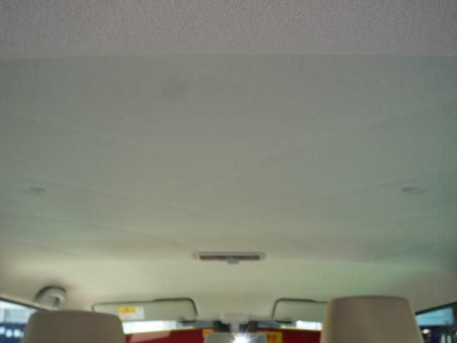 内装の天井の画像です。